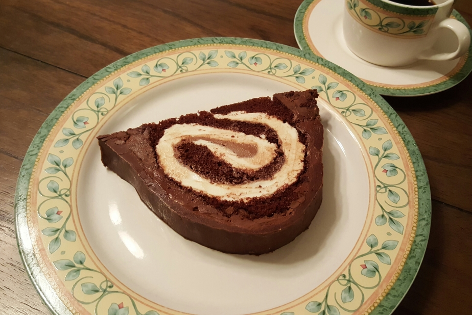 Ho Ho Cake 11